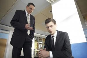 説教する外国人ビジネスマン